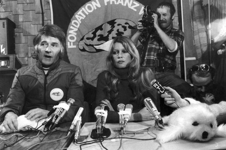 Franz Weber in den 1970er-Jahren mit Brigitte Bardot im Kampf gegen das Töten von Robbenbabys.