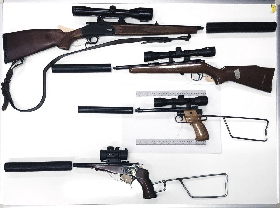 70 Feuerwaffen bei Hobby-Jäger-Bande beschlagnahmt
