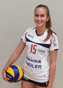 15 Jacqueline Holzinger