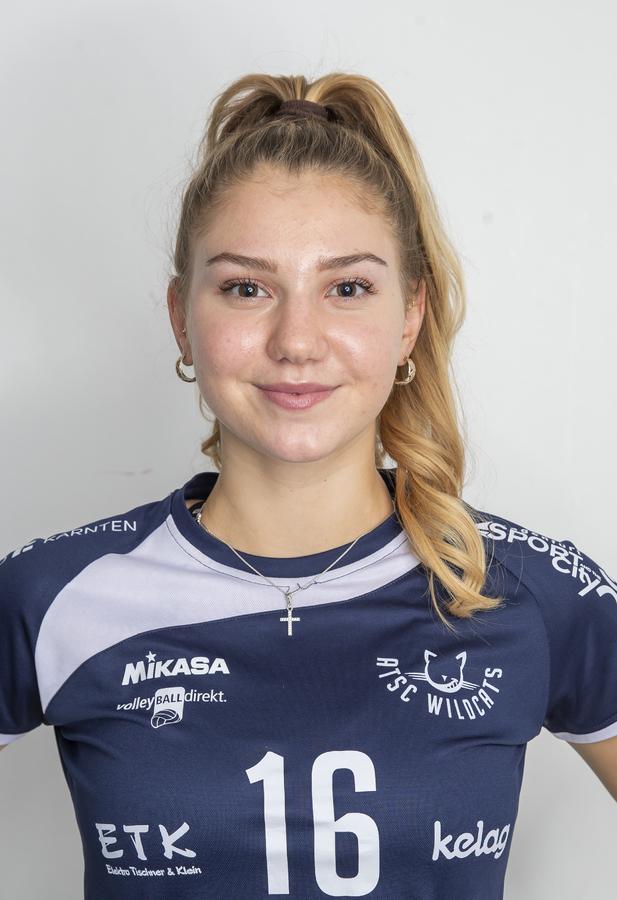 16 Magdalena Rabitsch