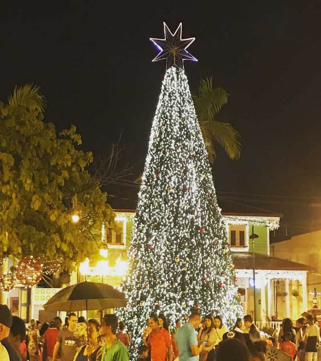 many of our north american traditions are also celebrated in the dominican republic the puerto plata square or la plaza independcia at christmas is - Christmas In Dominican Republic
