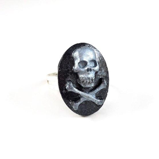 Silver Skull & Crossbones Cameo Ring by Wilde Designs