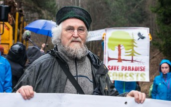 Hannes Knapp protests against illegal logging in Romania