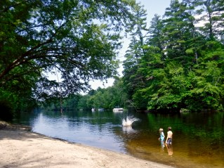 kayaking-contoocook-river-daisy-beach