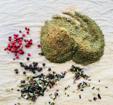 Würzpulver mit Algen, Miso getrockneten Tomaten