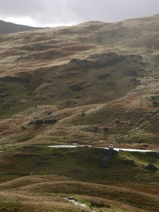 Blick auf den / View down on Wrynose Pass