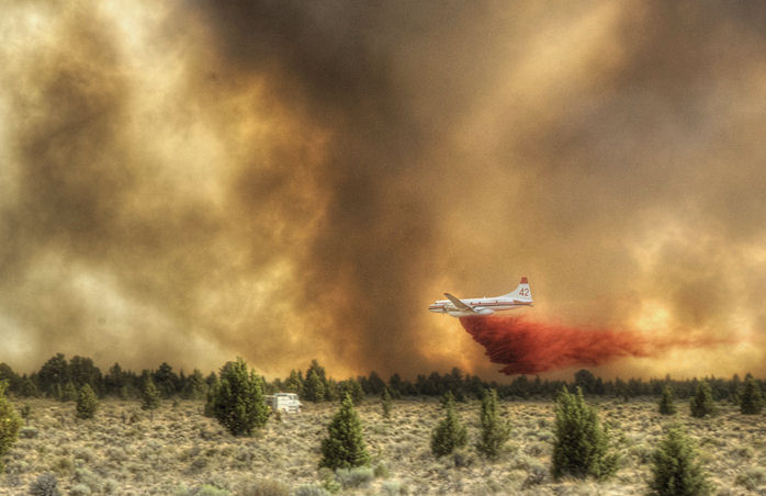 Tanker 42 drops on the Lava Fire.  Photo by Kevin Abel, Lakeview BLM