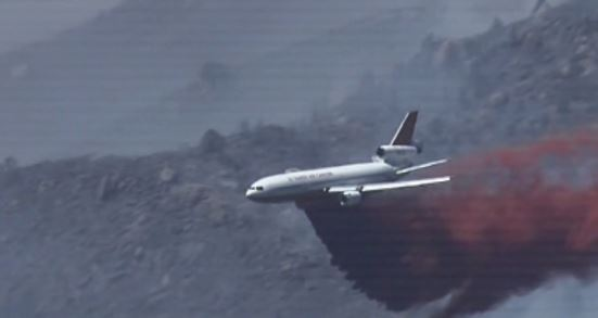 DC-10 dropping on Doce Fire