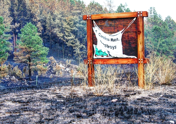 Sign at the Myrtle fire