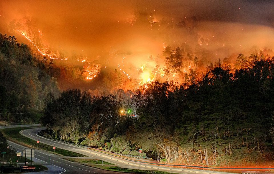 Two juveniles charged with starting fire that burned into Gatlinburg