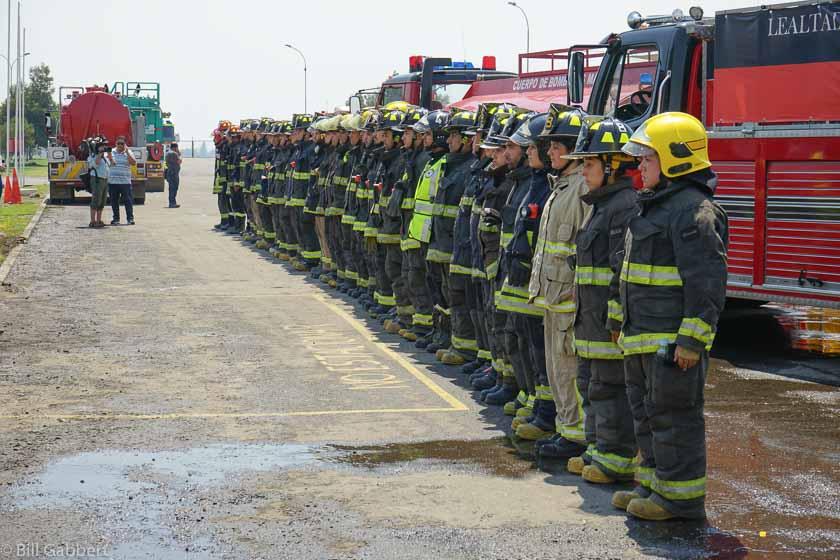 Bomberos firefighters Santiago airport 747 supertanker