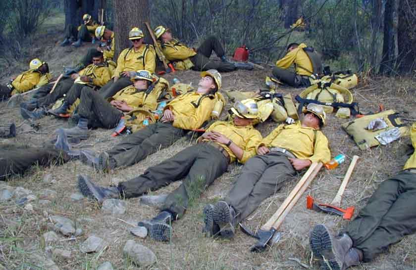 Firefighters sleep wildfire