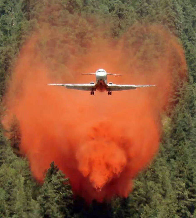 MD87 air tanker drops 416 Fire