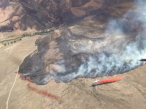 DC-10 drop retardant Martin Fire