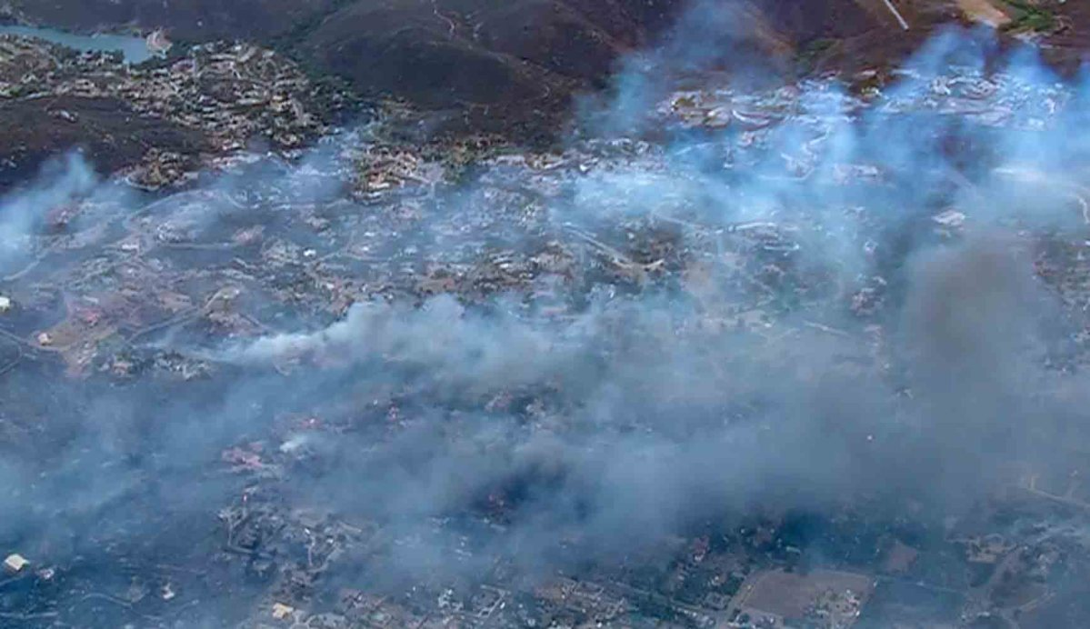 West Fire burns numerous structures at Alpine, California