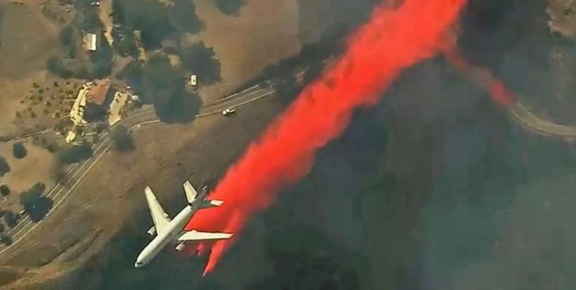 747 air tanker drop
