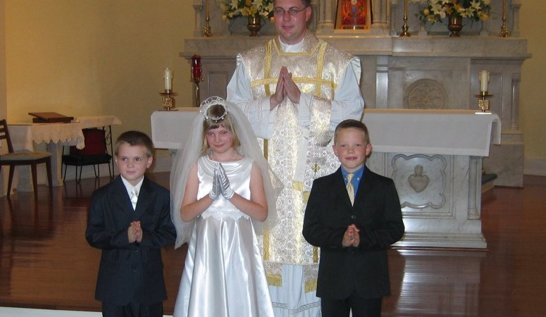 Sparkly makes his First Holy Communion