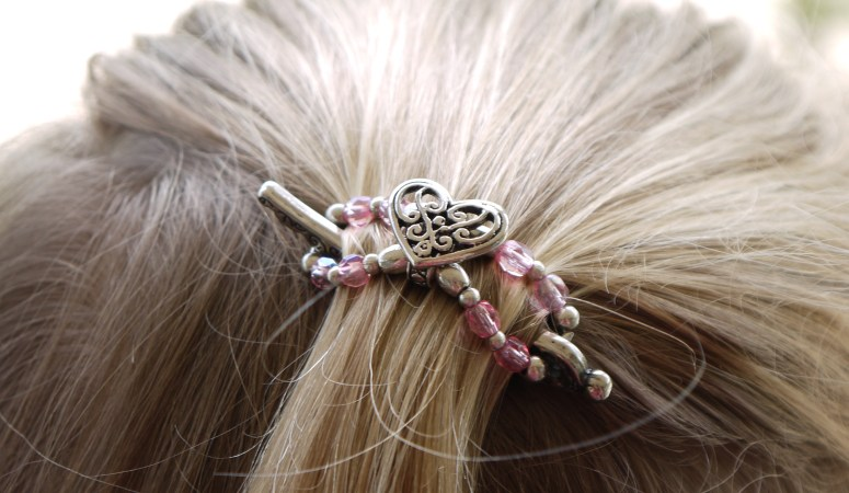A Simple Touch to Spruce up your Autumn – Lilla Rose Hair Clips