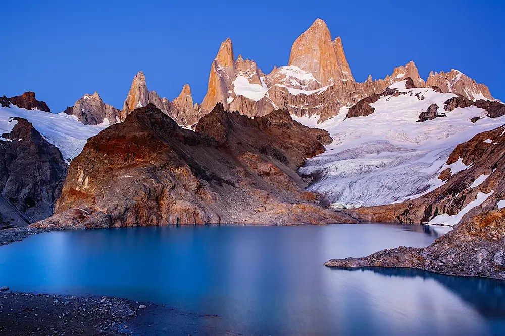 Laguna de los Tres and Mount Fitzroy at dawn