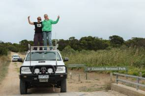 Girl power in the field: Alice and Nynke catching birds