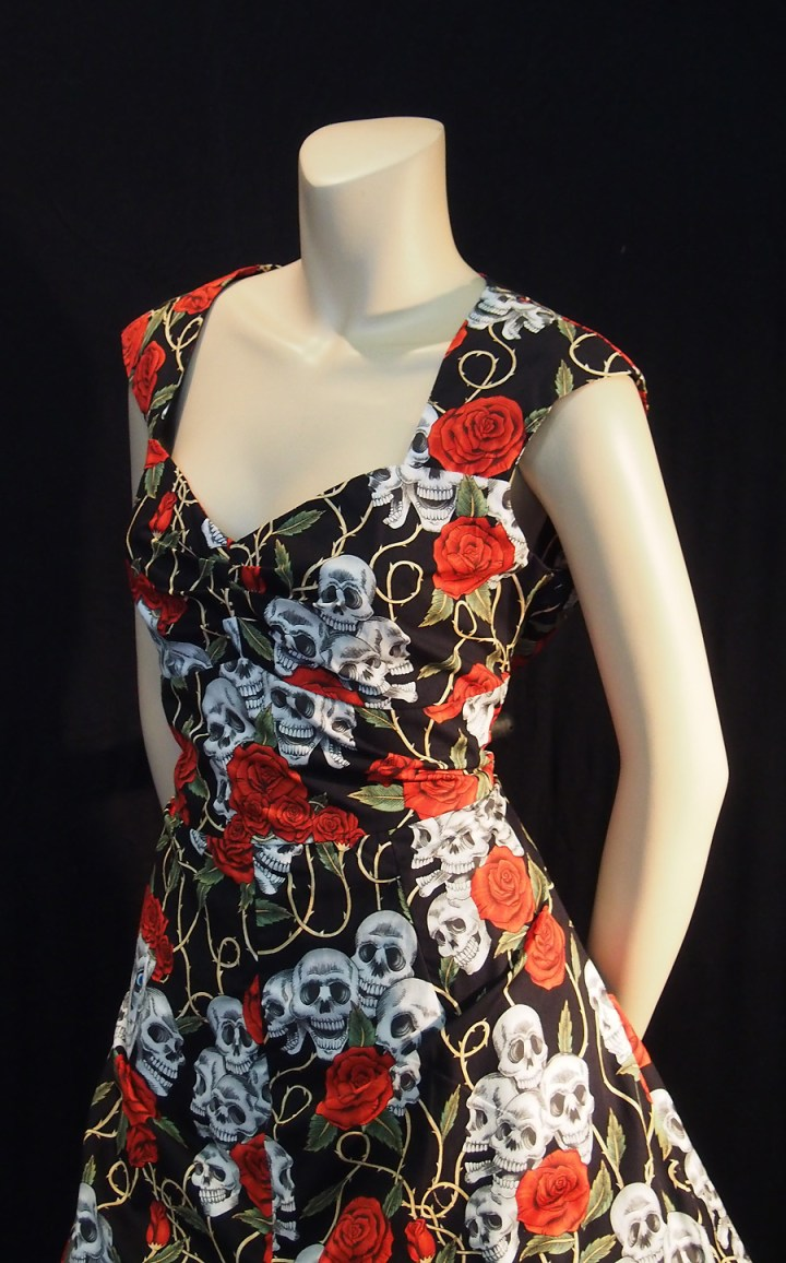 Rockabilly Black Skulls and roses sweetheart dress