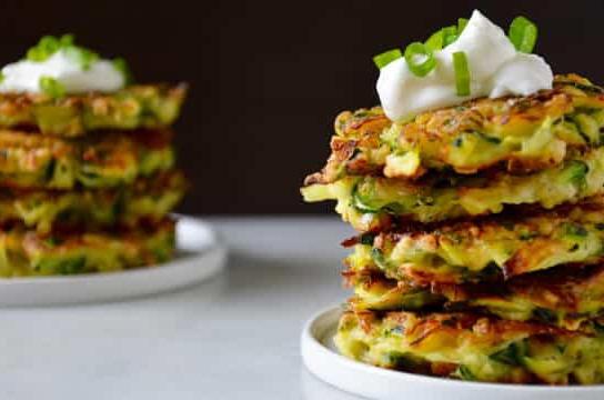 7 day recipe challenge: 5 ingredient zuchinni fritters