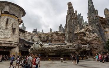 Batuu in Star Wars Land at Disneyland. Galaxy's Edge at Disneyland