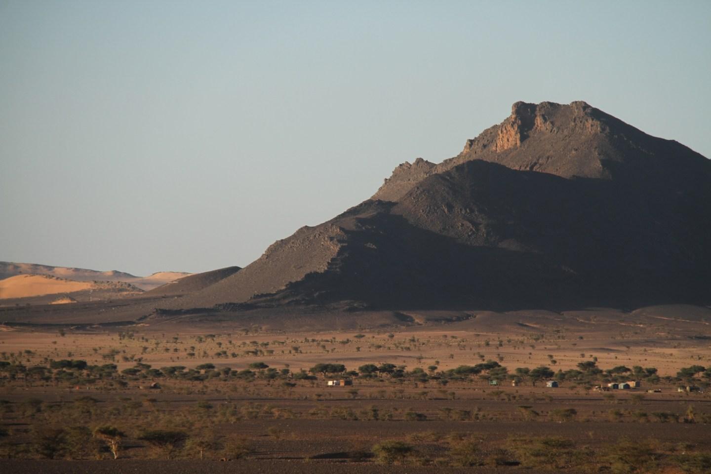 Mauritania-train-Ore-iron-ore-Sahara2