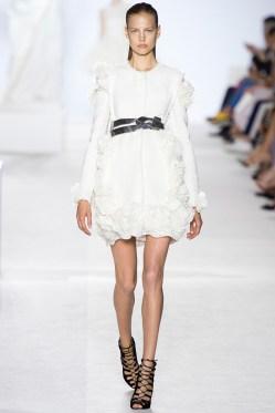 giambattista-valli-fall-2013-couture-01_180545879109