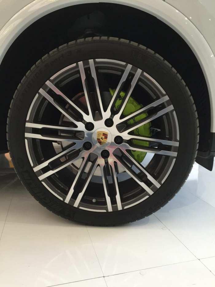 cayenne wheel
