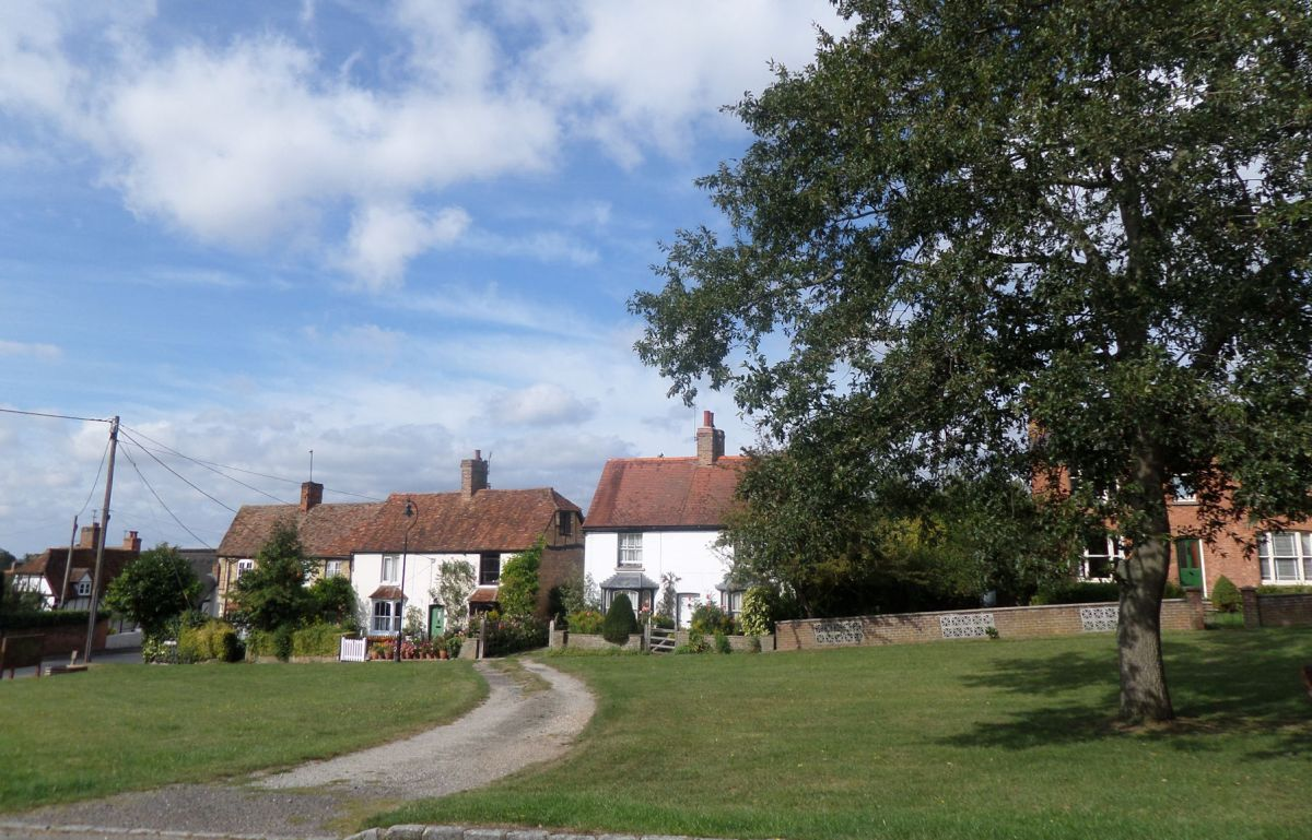 Buckinghamshire Way 3.2: Fields and villages to Great Horwood