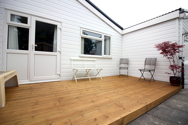 How To Fit Decking In Your Garden