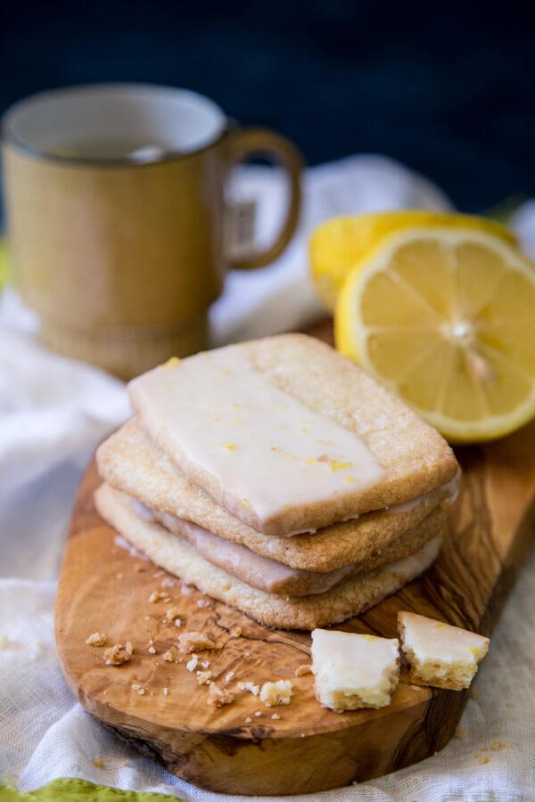 Lemon Shortbread Cookies | wildwildwhisk.com