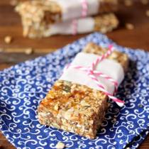 No Bake Seedy Date Bar | wildwildwhisk.com
