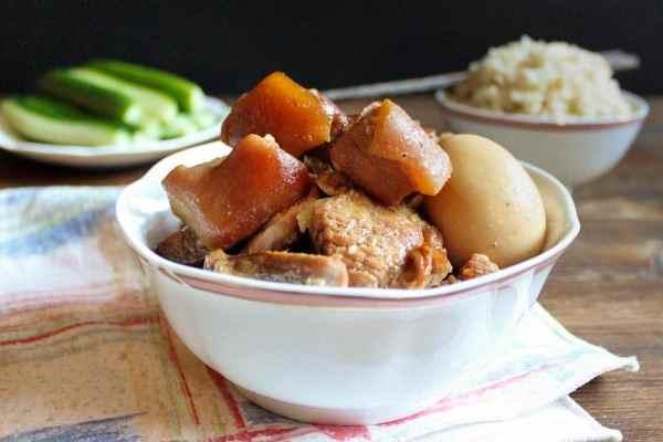 Vietnamese Braised Pork with Egg | wildwildwhisk.com