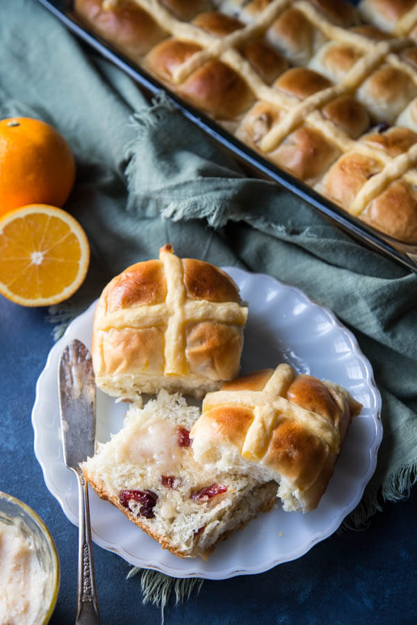 These little soft Orange Cranberry Sweet Buns are made with 50% whole wheat flour, packed with whole grain goodness and filled with chewy cranberries.   wildwildwhisk.com