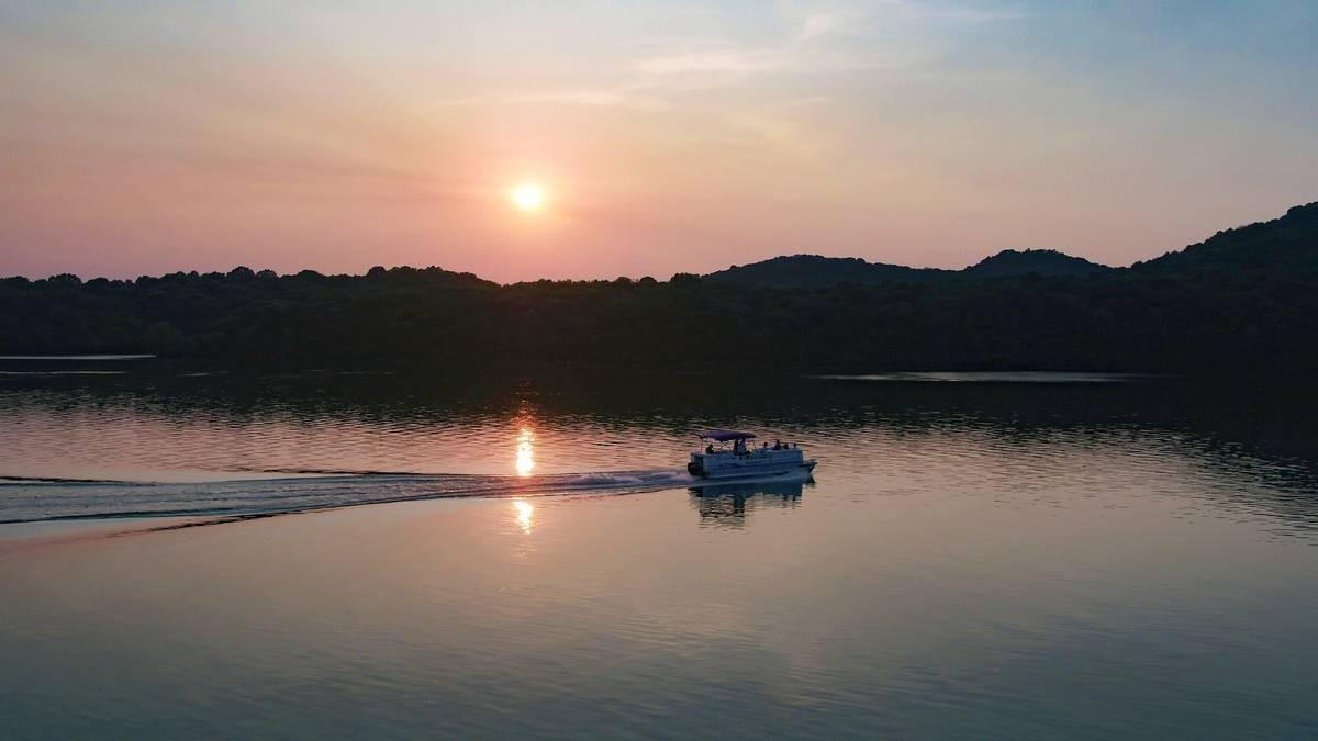 Wildwood Lakeside Weddings | Granville Tennessee
