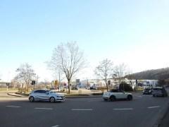 Zufahrt vom Anschluss Esslingen-Weil zum Neckarcenter