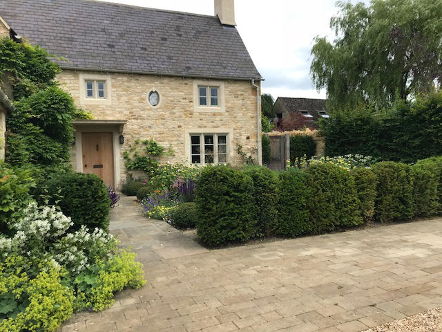 Willbee Landscaping, Gloucestershire House