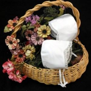 Accessories: Bibs, Blankets, Bloomers and Headwear. Minimum 3 pcs. x style.
