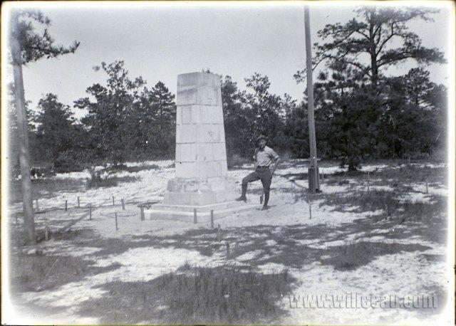 posing-w-pedestal