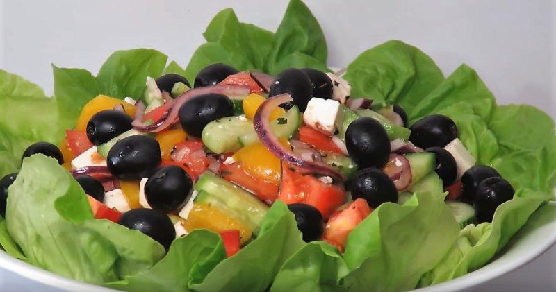 Finom görög saláta