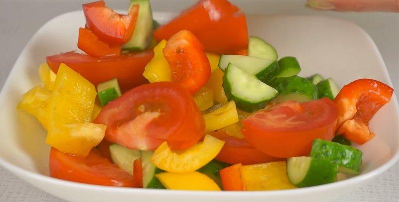 Zöldség az edényben