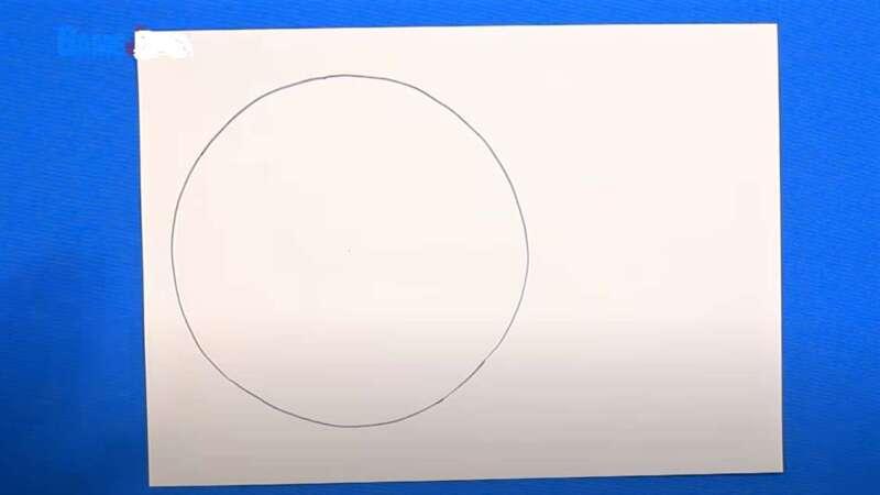 Khoanh tròn trên giấy
