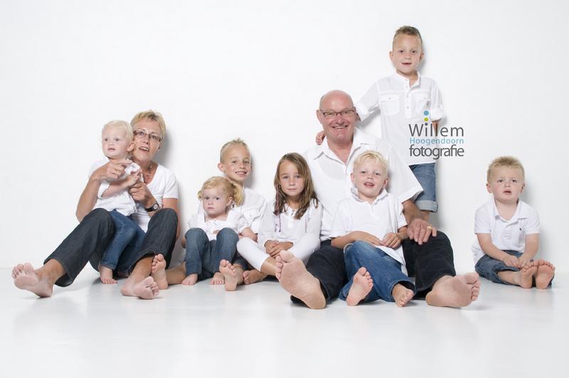 familieportret fotoshoot gezin Willem Hoogendoorn Fotografie Woerden portretfotograaf