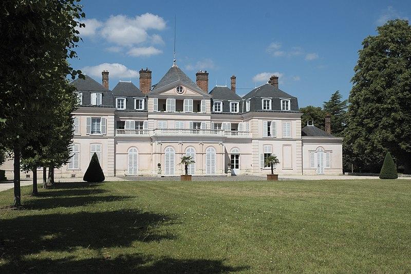 800px-Draveil_Château_de_Paris-Jardin_605