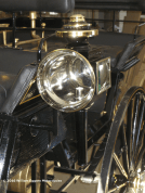 Photo of front lamp from Daimler Benz Motor Carriage