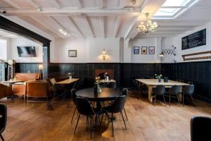 William IV london pub main dining room