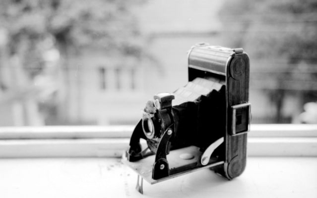 Image of a camera for an article about family history.