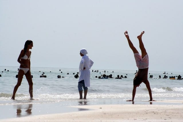 Image of people exercising for an article about balance exercises for seniors and their stability.